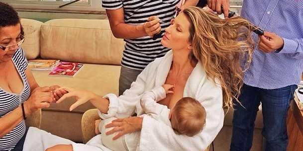 gisele-multitasking-while-breastfeeding-selfie-sparks-outrage-among-real-moms